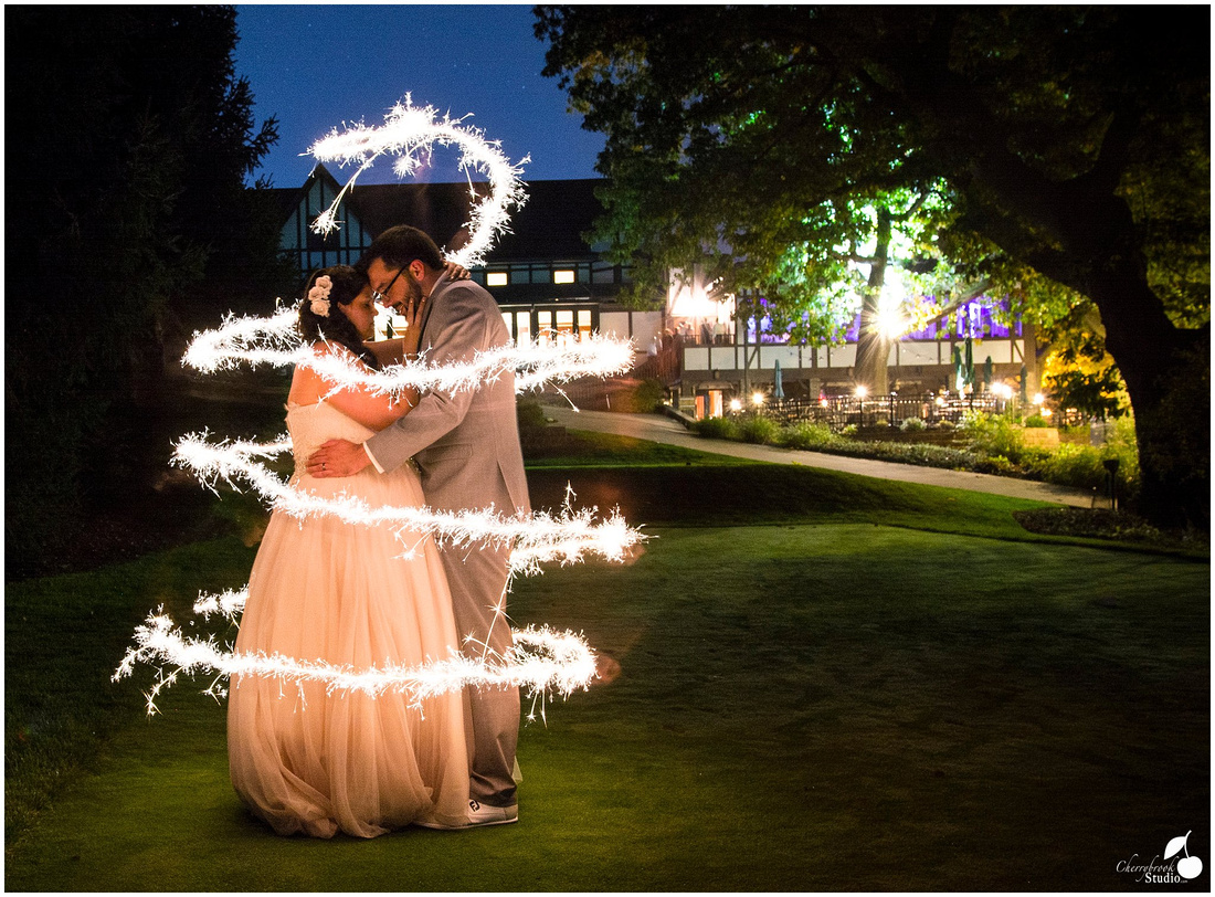 Wedding Photograph on Golf Green at Illini Country Club in Springfield, Illinois