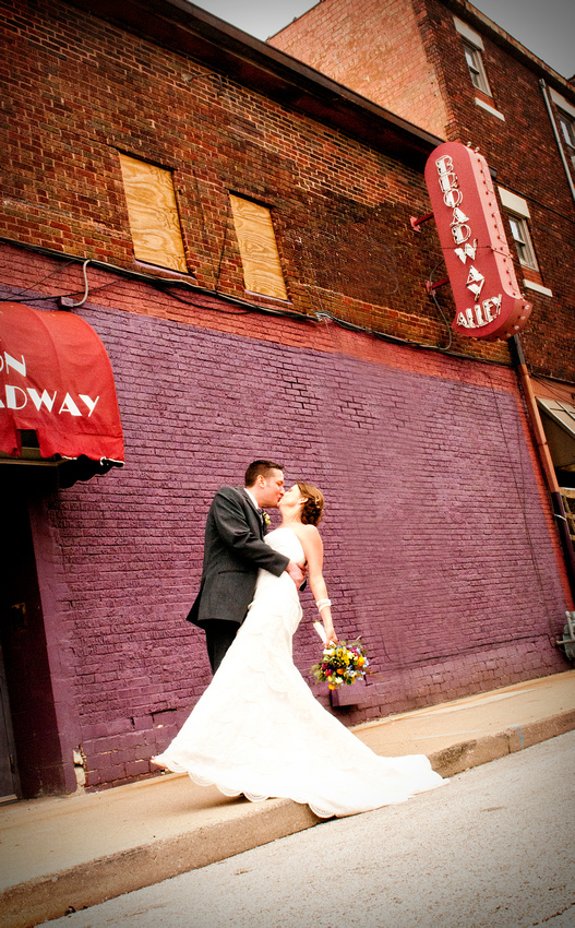 Wedding, wedding photographer, photographer, quincy Illinois, quincy, Illinois, Springfield Illinois, Springfield, Springfield Illinois wedding photographer, Old capital, old capital Springfield Illinois, navy wedding, navy blue wedding, outside photography, broadway alley